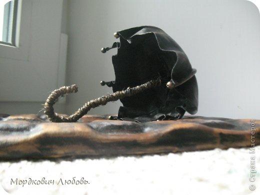 Добрый день!!!Давно эта замечательная ключница была у меня в хотелках.И вот свершилось!!!кажется....Только она у меня кожаная!покажу со всех сторон и при разном освещении.. фото 10