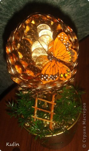 Прилетела бабочка,села на деревце- Красота! Бабочка — символ души, бессмертия, возрождения и воскресения, способности к превращениям, к трансформации, так как это крылатое небесное существо появляется на свет, преображаясь из мирской гусеницы.(философский словарь) фото 1