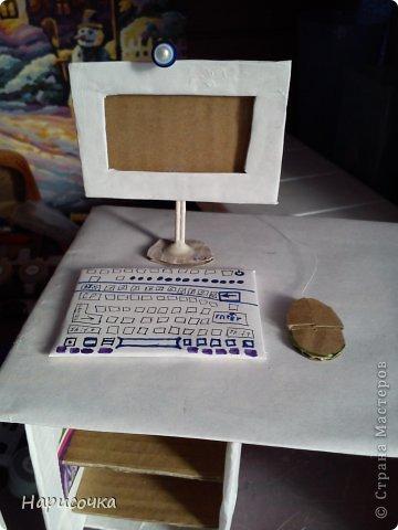 Привет Страна Мастеров! Сейчас я расскажу вам как можно сделать для своей куколки вот такой замечательный компьютер. фото 1