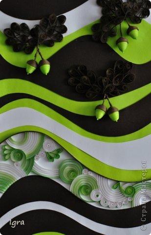 Все началось с покупки новой мебели. Моя душа захотела добавить в интерьер чего-то рукодельного и яркого. Было решено, что акценты будут в зеленом цвете. Впереди покупка  зеленых штор, подушек, покрывала. А пока родилась серия работ в технике квиллинг. Мой первый опыт. Рамки были сделаны из коробок, оставшихся от мебели. Вдохновлялась работами мастериц, выложенными на этом сайте. фото 11