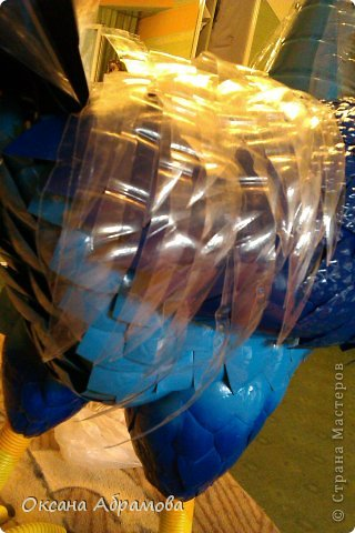 Мастер-класс Поделка изделие Вырезание Моделирование МК ПЕТУХ из пластиковых бутылок Бутылки пластиковые Клей Краска Материал бросовый Пенопласт фото 28