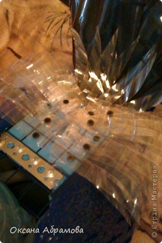 Мастер-класс Поделка изделие Вырезание Моделирование МК ПЕТУХ из пластиковых бутылок Бутылки пластиковые Клей Краска Материал бросовый Пенопласт фото 27