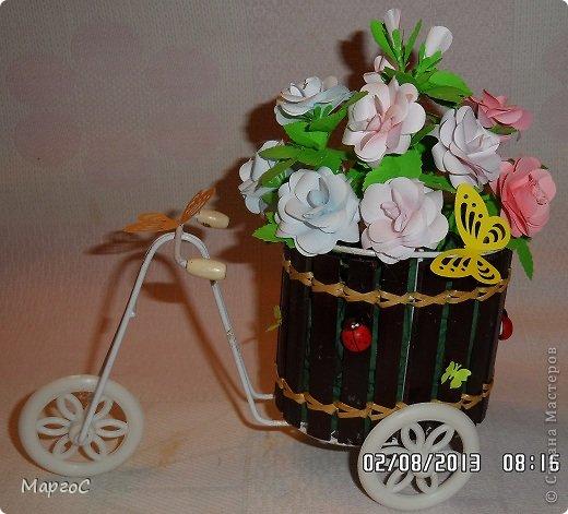 Этот велосипед с розами сегодня уехал в Германию. Надеюсь, что он впишится в интерьер моих друзей и будет их радовать. Фото делала вечером, простите за качество. фото 1