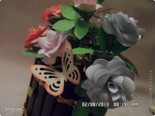 Этот велосипед с розами сегодня уехал в Германию. Надеюсь, что он впишится в интерьер моих друзей и будет их радовать. Фото делала вечером, простите за качество. фото 4