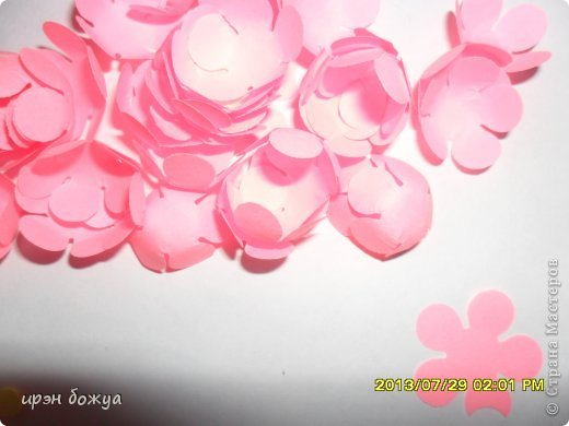 Мне предложили на свадьбу для конфет сделать бонбоньерки в количестве 70 шт. И я их сделала за 3 дня. фото 16