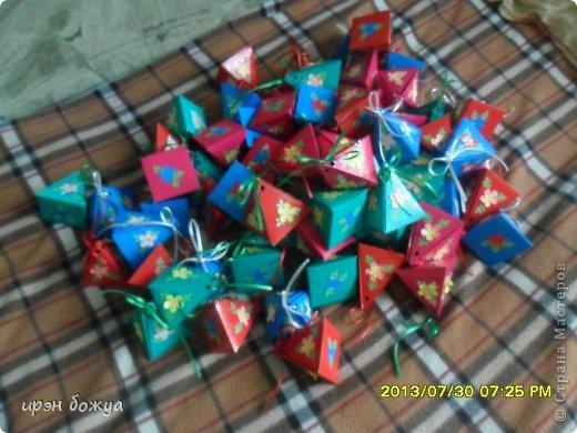 Мне предложили на свадьбу для конфет сделать бонбоньерки в количестве 70 шт. И я их сделала за 3 дня. фото 8
