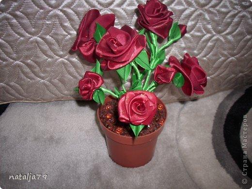 Поделки из роз из лент 14