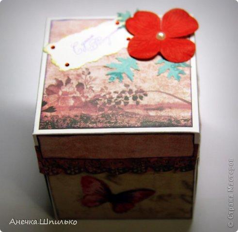 Привет!!! Такую простенькую коробочку сделала для девчушки на 12 лет.(Первый раз делаю Magic box) фото 1