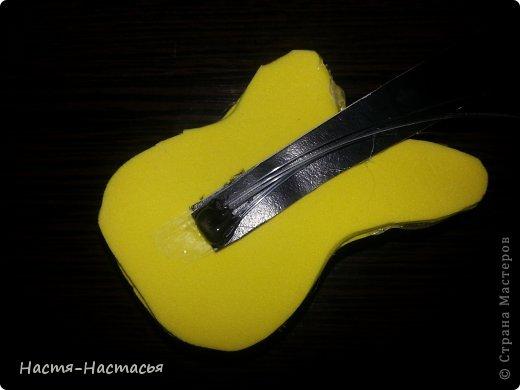 Привет всем! Недавно у моих кукол появились рок-гитары! Предлагаю и вам сделать такой подарок для своей любимой куклы! фото 22