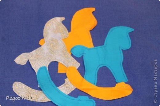 Мастер-класс Поделка изделие Новый год Шитьё Елочные коняшки МК по изготовлению Ленты Пряжа Тесьма шнур Ткань фото 5
