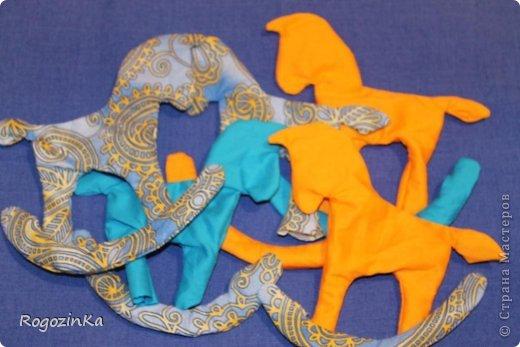Мастер-класс Поделка изделие Новый год Шитьё Елочные коняшки МК по изготовлению Ленты Пряжа Тесьма шнур Ткань фото 6