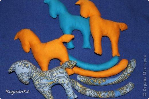 Мастер-класс Поделка изделие Новый год Шитьё Елочные коняшки МК по изготовлению Ленты Пряжа Тесьма шнур Ткань фото 7