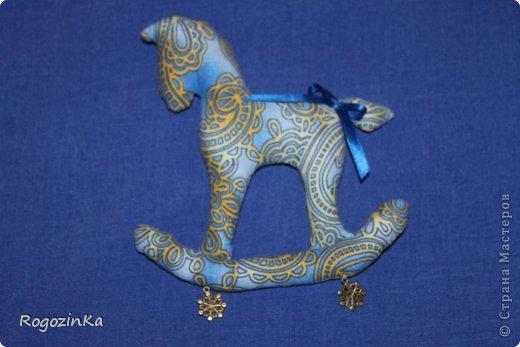 Мастер-класс Поделка изделие Новый год Шитьё Елочные коняшки МК по изготовлению Ленты Пряжа Тесьма шнур Ткань фото 9