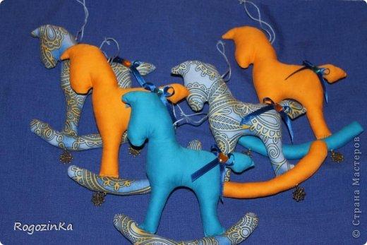 Мастер-класс Поделка изделие Новый год Шитьё Елочные коняшки МК по изготовлению Ленты Пряжа Тесьма шнур Ткань фото 19