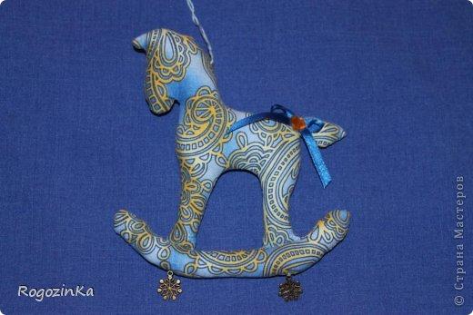 Мастер-класс Поделка изделие Новый год Шитьё Елочные коняшки МК по изготовлению Ленты Пряжа Тесьма шнур Ткань фото 14