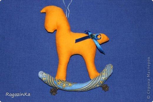 Мастер-класс Поделка изделие Новый год Шитьё Елочные коняшки МК по изготовлению Ленты Пряжа Тесьма шнур Ткань фото 15