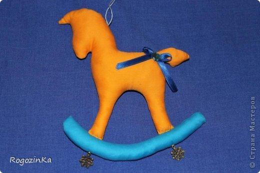 Мастер-класс Поделка изделие Новый год Шитьё Елочные коняшки МК по изготовлению Ленты Пряжа Тесьма шнур Ткань фото 18