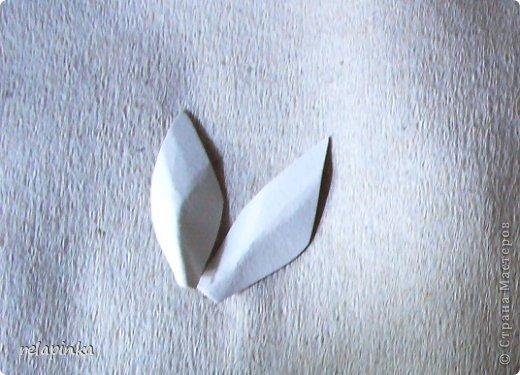Для того, чтобы сделать Прекрасного Принца, на не менее прекрасном скакуне, понадобятся: клей ПВА (белый строительный), туалетная бумага (серая, однослойная, которая дешёвая), газета, картон, проволока, нить лен или любая другая не тонкая нить, пенопласт или толстый картон, или гафрокартон, акриловые краски, цвета на ваш выбор, стеки для лепки, я пользуюсь самыми простыми пластмассовыми, которые есть в любой детской коробке пластилина, фольга. Кажется ничего не забыла)) фото 16