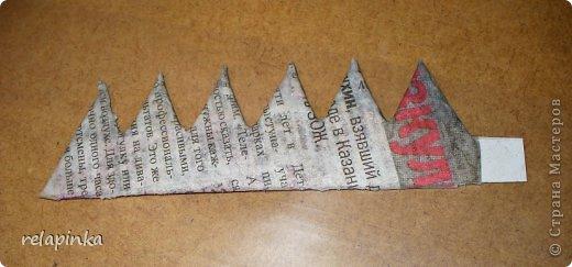 Для того, чтобы сделать Прекрасного Принца, на не менее прекрасном скакуне, понадобятся: клей ПВА (белый строительный), туалетная бумага (серая, однослойная, которая дешёвая), газета, картон, проволока, нить лен или любая другая не тонкая нить, пенопласт или толстый картон, или гафрокартон, акриловые краски, цвета на ваш выбор, стеки для лепки, я пользуюсь самыми простыми пластмассовыми, которые есть в любой детской коробке пластилина, фольга. Кажется ничего не забыла)) фото 22