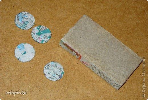 Для того, чтобы сделать Прекрасного Принца, на не менее прекрасном скакуне, понадобятся: клей ПВА (белый строительный), туалетная бумага (серая, однослойная, которая дешёвая), газета, картон, проволока, нить лен или любая другая не тонкая нить, пенопласт или толстый картон, или гафрокартон, акриловые краски, цвета на ваш выбор, стеки для лепки, я пользуюсь самыми простыми пластмассовыми, которые есть в любой детской коробке пластилина, фольга. Кажется ничего не забыла)) фото 36