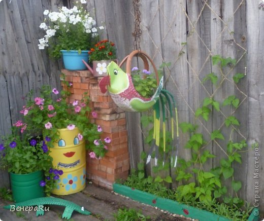 Как украсить двор дома своими руками
