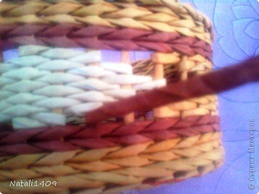 Мастер-класс Поделка изделие Декупаж Плетение ФИЛЕЙНО-СИТЦЕВОЕ плетенье Бумага газетная Салфетки Трубочки бумажные фото 14
