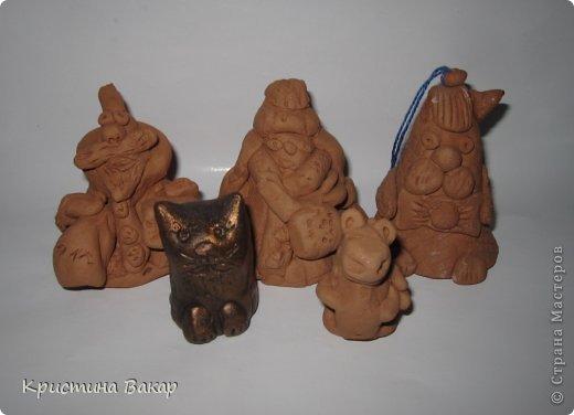 Моя сестра Ульяна ходит на кружок по керамике. Вот некоторые её работы. Не судите строго, ей всего 9 лет))))) фото 8