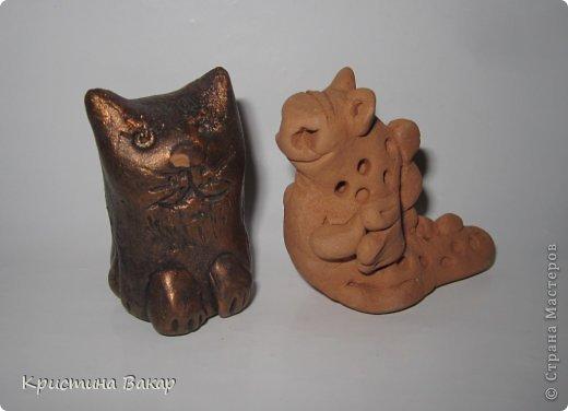 Моя сестра Ульяна ходит на кружок по керамике. Вот некоторые её работы. Не судите строго, ей всего 9 лет))))) фото 10
