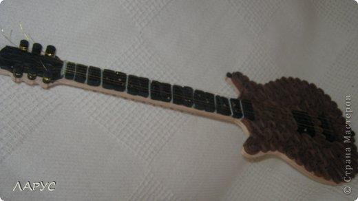 Моему ребенку завтра 25..) играет в группе )на ритм гитаре ) форму прикупила давно а сегодня закончила  подарочек! оцените )хотя погрешности есть конечно ).. фото 5