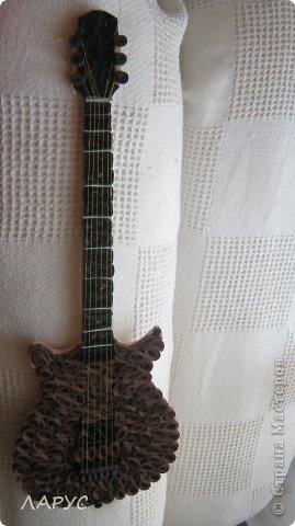 Моему ребенку завтра 25..) играет в группе )на ритм гитаре ) форму прикупила давно а сегодня закончила  подарочек! оцените )хотя погрешности есть конечно ).. фото 1