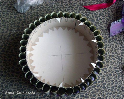 Для изготовления данного торта понадобятся: плотный картон(можно использовать картон от коробок), тонкий картон, скрепки, тонкая атласная лента(около двух метров), большой бант, клей или двусторонний  скотч и деньги(около ста купюр) фото 12