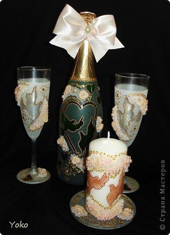 """Поступил заказ на """"Голубок"""" в коралловом: бутылка, бокалы и свеча-очаг фото 2"""