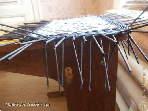 Мастер-класс Плетение МК плетения квадратной крышки Бумага газетная Трубочки бумажные фото 9