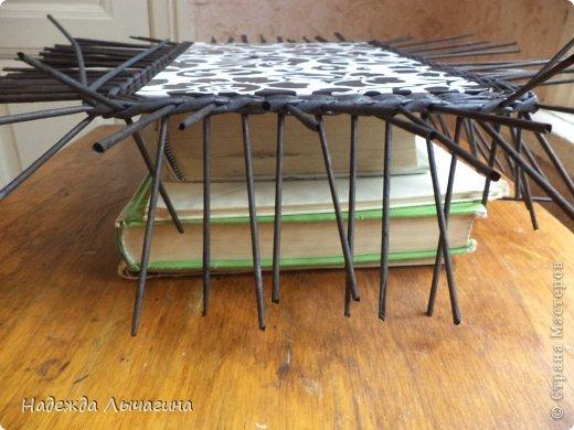 Мастер-класс Плетение МК плетения квадратной крышки Бумага газетная Трубочки бумажные фото 11