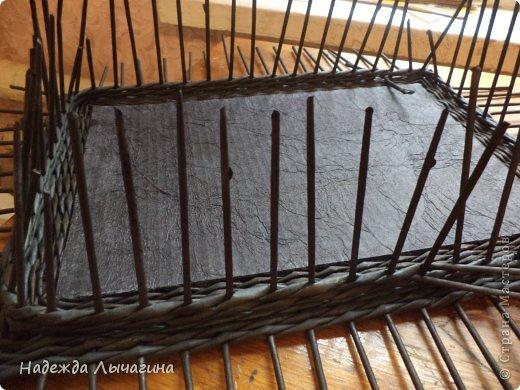 Мастер-класс Плетение МК плетения квадратной крышки Бумага газетная Трубочки бумажные фото 12