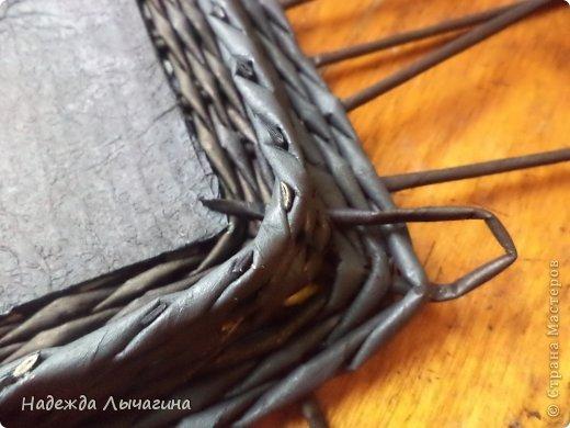 Мастер-класс Плетение МК плетения квадратной крышки Бумага газетная Трубочки бумажные фото 15