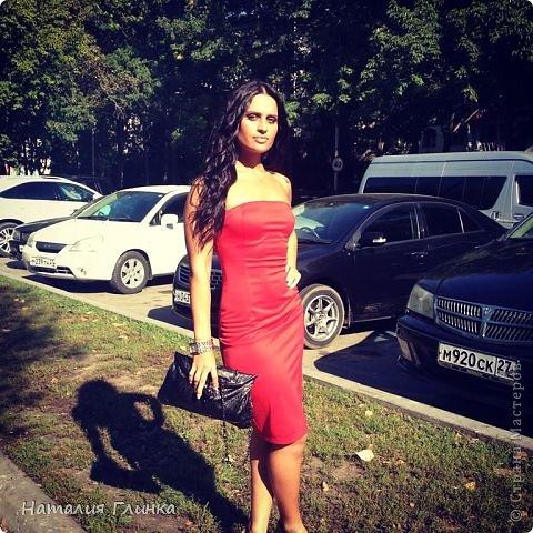 Девушка шла на свадьбу к подруге, вот и получилось такое простое, но очень подходящее платье :) фото 1