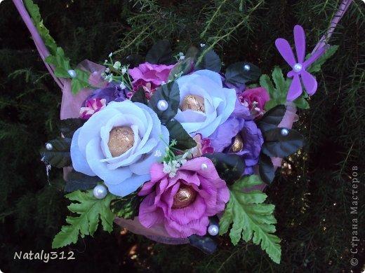 """Корзиночка роз с конфетами """"Осенний вальс"""". фото 2"""
