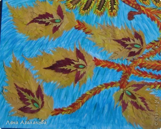 Всем хорошего настроения! Прошлой осенью собирала листья и увидила папоротник - как перышки у птицы. Лежал - ждал своего часа...И еще березовые листики так и просились в хвост жар-птицы Так появилась моя птица Счастья в подарок подруге на день рождения фото 2