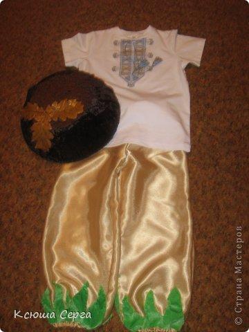 В детском саду, праздник осени и наш сынишка будет грибочком-боровичком.  фото 17