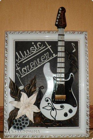 Картина панно рисунок Мастер-класс День рождения Ассамбляж Картины из кожи Гитара 1 и Гитара 2  Кожа фото 2