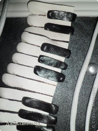 Картина панно рисунок Мастер-класс День рождения Ассамбляж Картины из кожи Гитара 1 и Гитара 2  Кожа фото 13