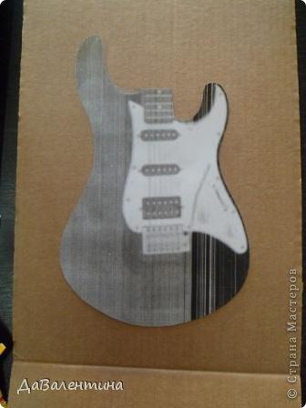 Картина панно рисунок Мастер-класс День рождения Ассамбляж Картины из кожи Гитара 1 и Гитара 2  Кожа фото 18