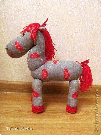 Лошадка из носков фото 2