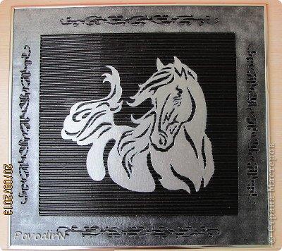 Картина панно рисунок День рождения Новый год Вырезание Лошадка в серебре Картон гофрированный фото 6