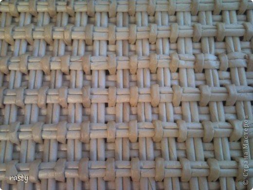Поделка изделие Плетение Сложное плетеное донышко по МК Тищенко Бумага газетная Трубочки бумажные фото 3