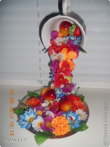 Здравствуйте! Вот и я с новыми работами. Первая - корзинка с цветочками на день рождения очень хорошей девушки. Она замечательный человек!!! Хотелось, чтобы ей улыбнулось счастье!!! фото 5