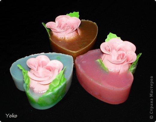 Очередные мылки! Простые: готовые мыльные розы вплавлены в основу формы сердечка фото 3