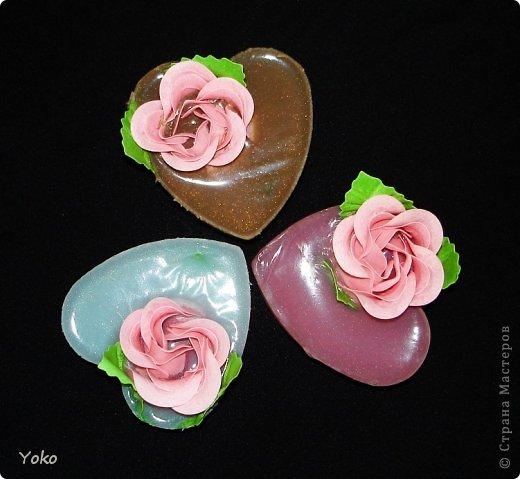 Очередные мылки! Простые: готовые мыльные розы вплавлены в основу формы сердечка фото 1
