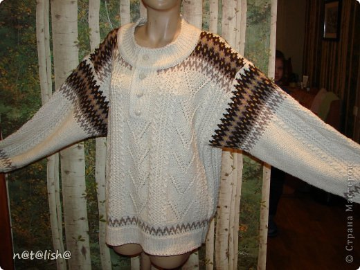 Пуловер связан спицами из 100% шерсти.  фото 1